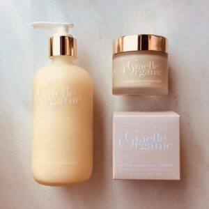 Gaelle Organic | Exfoliant Supérieure for Gentle Exfoliation that Delivers Critical Moisture and Nutrients to the Skin